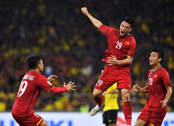 Anh em thâm tình có khác, Công Phượng vừa thoát kiếp lừa hàng triệu fan Việt, Đức Chinh bất ngờ là cái tên thay thế-1
