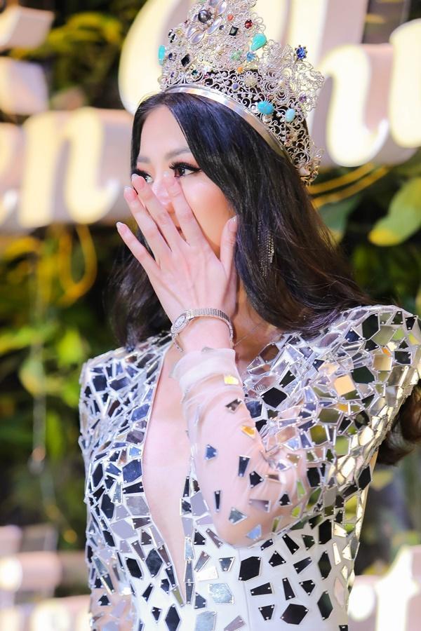 Khóc nghẹn giữa thị phi, Hoa hậu Trái Đất 2018 Phương Khánh khẳng định: Tôi không mua giải-5