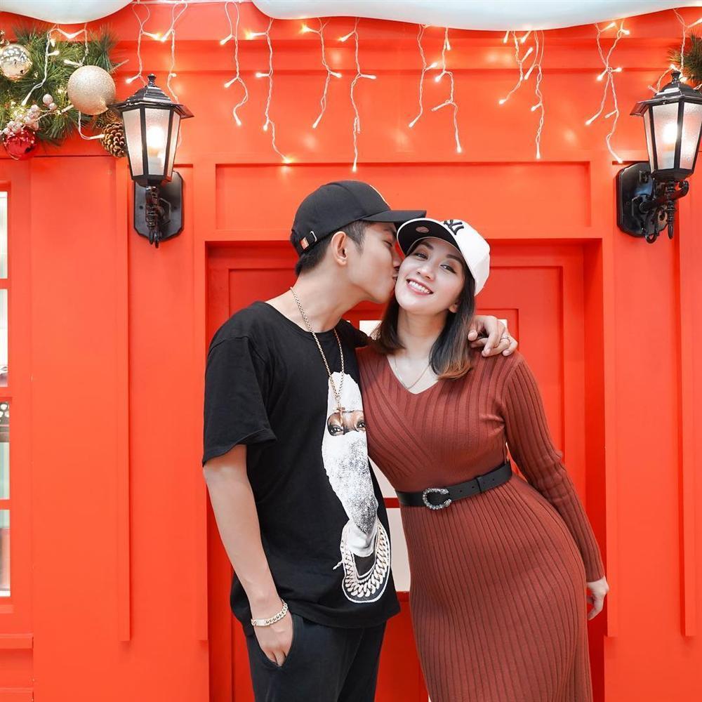 Phạm Hương khoe đón Noel sớm, fan thắc mắc: Chị Tổng ở Việt Nam hay Mỹ?-3