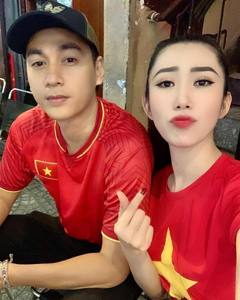 Phạm Hương khoe đón Noel sớm, fan thắc mắc: Chị Tổng ở Việt Nam hay Mỹ?-9