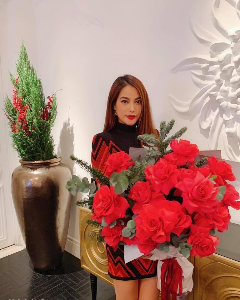 Phạm Hương khoe đón Noel sớm, fan thắc mắc: Chị Tổng ở Việt Nam hay Mỹ?-11