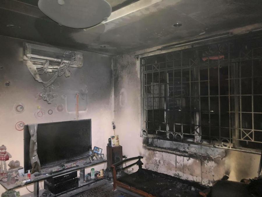 Kinh hoàng: Chăn điện phát nổ, thiêu rụi căn nhà trong đêm-1