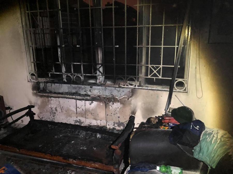 Kinh hoàng: Chăn điện phát nổ, thiêu rụi căn nhà trong đêm-2