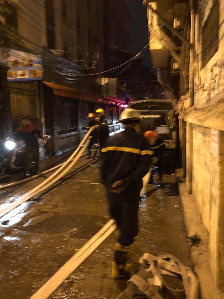 Kinh hoàng: Chăn điện phát nổ, thiêu rụi căn nhà trong đêm-3