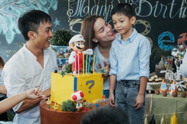 Dù không còn yêu nhưng vì hạnh phúc của con, những cặp sao Việt này vẫn gặp gỡ vui vẻ như chưa hề có cuộc chia ly-3
