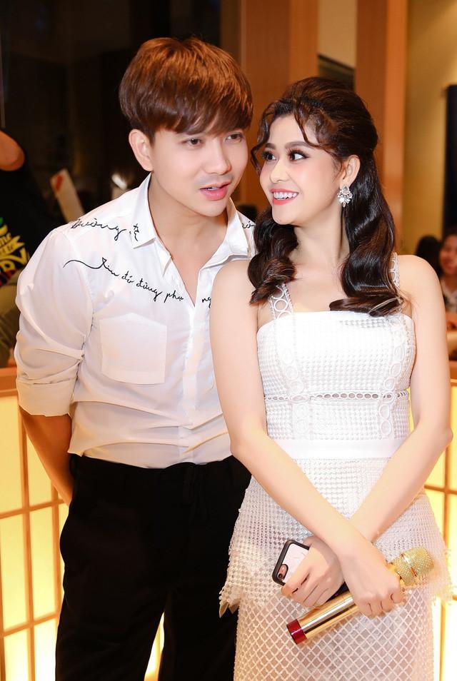 Dù không còn yêu nhưng vì hạnh phúc của con, những cặp sao Việt này vẫn gặp gỡ vui vẻ như chưa hề có cuộc chia ly-6