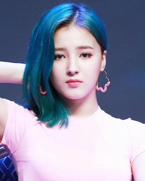 Những kiểu tóc làm mưa làm gió ở Kpop trong năm 2018-4