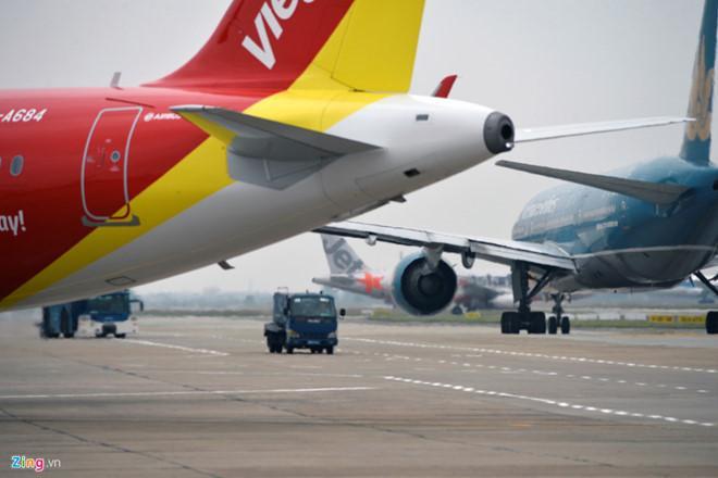 Vì sao hành lý xách tay khi đi máy bay giới hạn ở 7 kg?-1