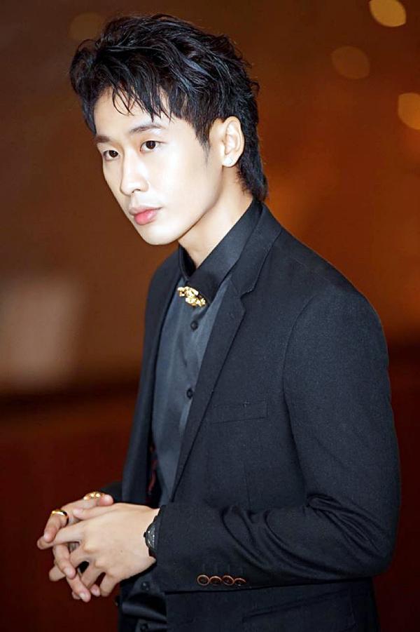 Biến đổi style nhanh như lật bánh tráng, người tình Hari Won khiến giới trẻ phát cuồng-11