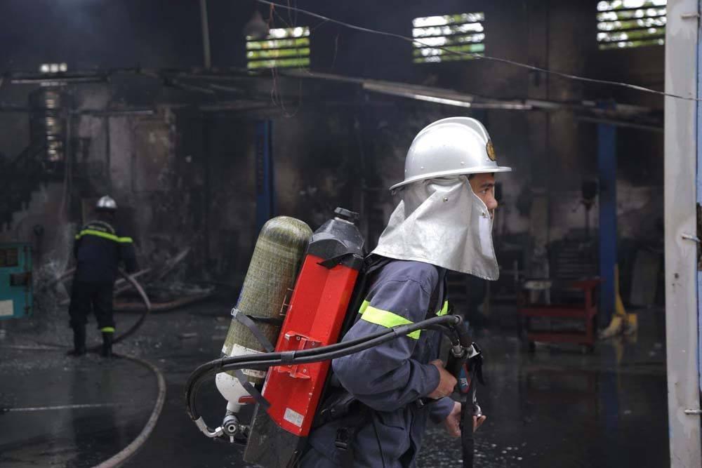Khói lửa cuồn cuộn gần Liên đoàn Bóng đá Việt Nam-5