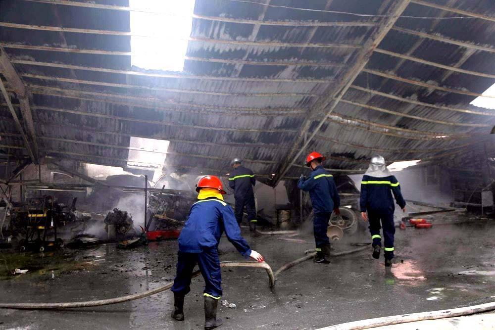 Khói lửa cuồn cuộn gần Liên đoàn Bóng đá Việt Nam-6