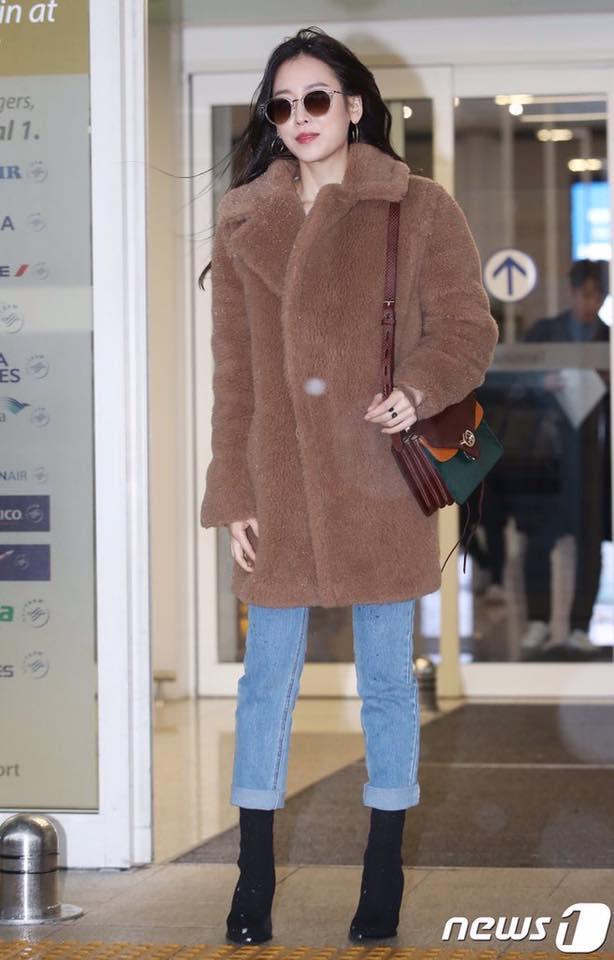 Dù là ảnh hậu trường, Kim Hee Sun vẫn khiến cư dân mạng choáng ngợp vì quá đẹp-4