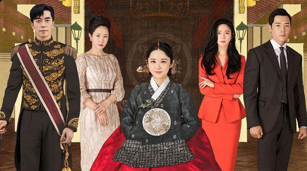 Dù là ảnh hậu trường, Kim Hee Sun vẫn khiến cư dân mạng choáng ngợp vì quá đẹp-8