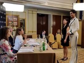 AI CŨNG TÒ MÒ: Trong phòng phỏng vấn kín tại Miss Universe 2018, giám khảo hỏi H'Hen Niê điều gì?