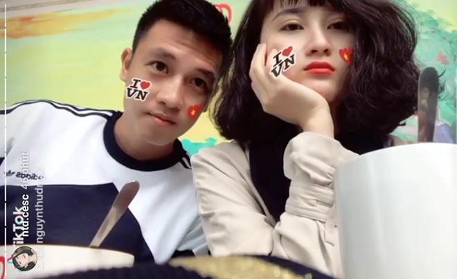 Hồng Duy khoe tóc mới, Huy Hùng hẹn hò với bạn gái trong ngày nghỉ-2
