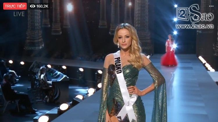 HHen Niê trình diễn bikini gợi cảm, tung váy dạ hội xuất quỷ nhập thần đêm bán kết Miss Universe 2018-10