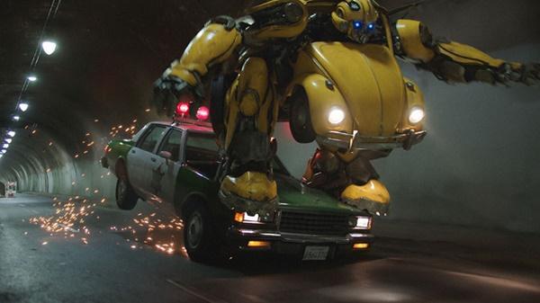 Bom tấn Giáng sinh Bumblebee bất ngờ được giới phê bình khen ngợi-1
