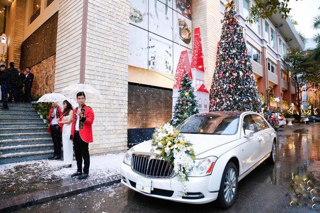 Thêm siêu đám cưới trị giá 4,6 tỷ ở Hải Phòng: Chú rể mang siêu xe hiếm đi đón dâu, tiệc cưới trang trí đẹp như cổ tích-1