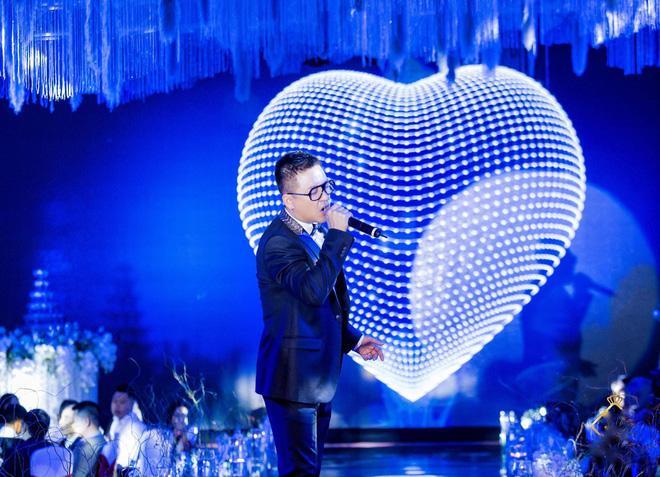 Thêm siêu đám cưới trị giá 4,6 tỷ ở Hải Phòng: Chú rể mang siêu xe hiếm đi đón dâu, tiệc cưới trang trí đẹp như cổ tích-5