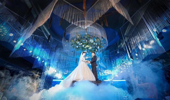 Thêm siêu đám cưới trị giá 4,6 tỷ ở Hải Phòng: Chú rể mang siêu xe hiếm đi đón dâu, tiệc cưới trang trí đẹp như cổ tích-6