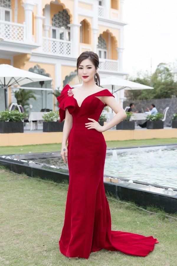 Hương Tràm sẽ bán xe, vay mượn tiền tỷ để làm liveshow đầu tiên trong sự nghiệp-1