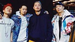Rapper Hàn diện áo khoác in hình bao bì cám con cò Việt Nam