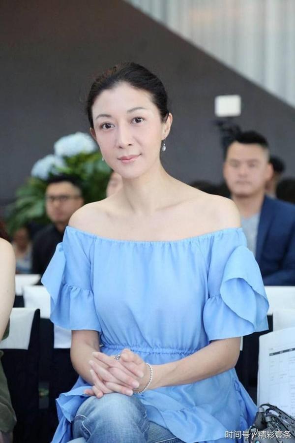 Tình cũ Thành Long: Hoa hậu 17 tuổi và cái giá vì lối sống trác táng-5