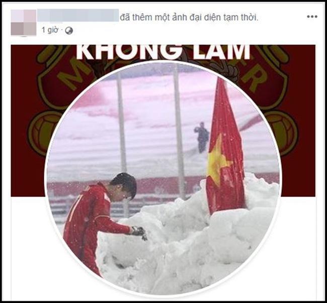 Dân mạng bất ngờ chia sẻ lại hình ảnh Duy Mạnh cắm cờ ở Thường Châu kèm lời chúc ý nghĩa: Lần này ngẩng cao đầu nhé-2