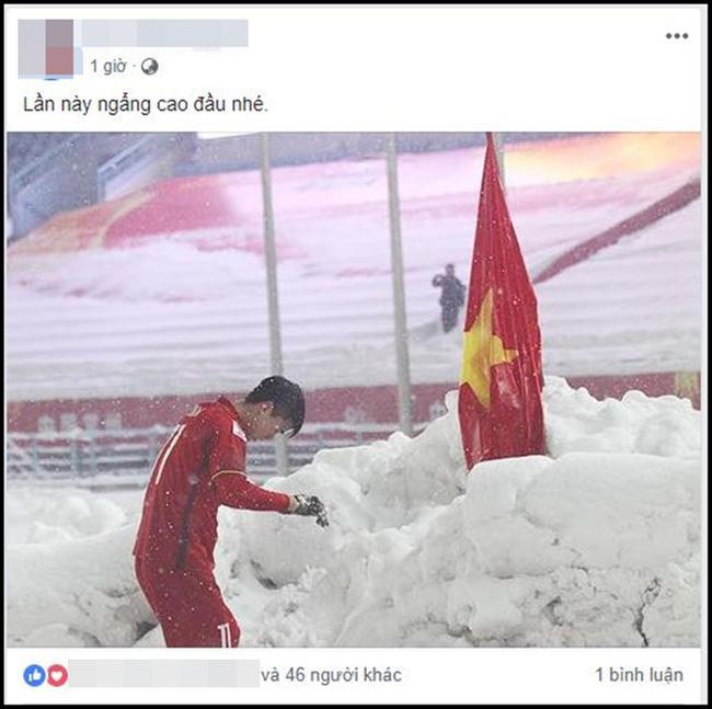 Dân mạng bất ngờ chia sẻ lại hình ảnh Duy Mạnh cắm cờ ở Thường Châu kèm lời chúc ý nghĩa: Lần này ngẩng cao đầu nhé-1