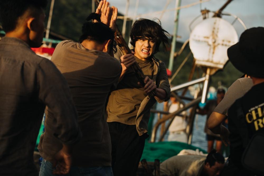 Noo Phước Thịnh để tóc dài, đánh nhau ác liệt trong MV mới-2