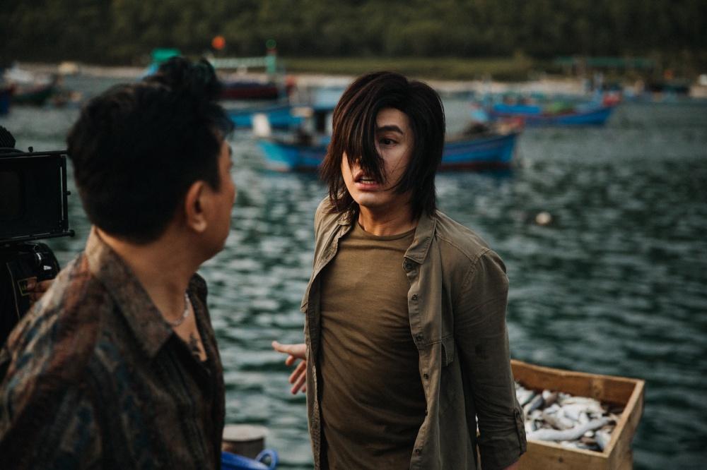 Noo Phước Thịnh để tóc dài, đánh nhau ác liệt trong MV mới-4