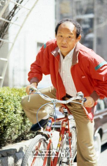 Trong khi Mỹ Đình nóng như chảo lửa, HLV Park Hang Seo bị báo Hàn khui ảnh thời trẻ cực hot-4
