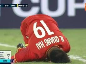 TRỰC TIẾP chung kết Việt Nam 1-0 Malaysia: Đội khách chơi xấu, liên tục tìm cách 'đốn' Quang Hải