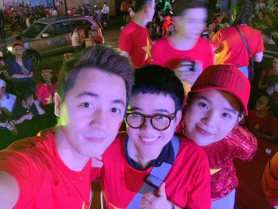 Dàn sao Việt gào nổ mạng xã hội, tưng bừng đi bão ăn mừng tuyển Việt Nam vô địch AFF Cup 2018-4