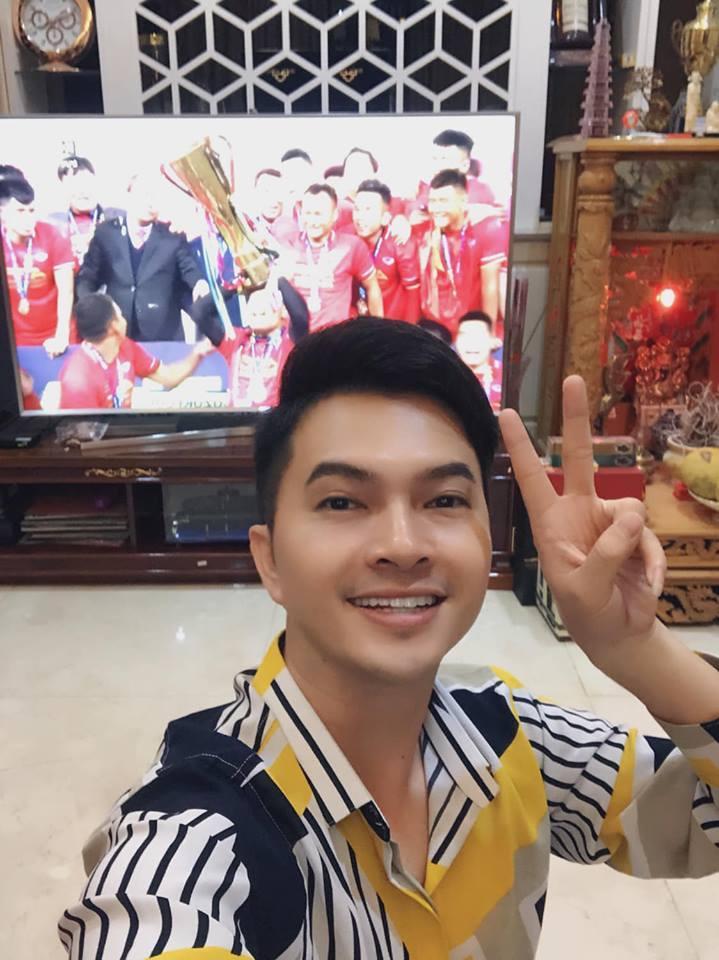 Dàn sao Việt gào nổ mạng xã hội, tưng bừng đi bão ăn mừng tuyển Việt Nam vô địch AFF Cup 2018-7
