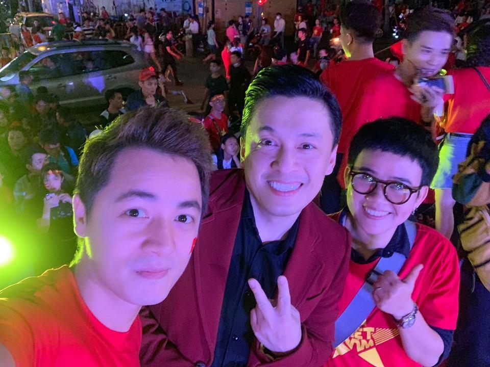 Dàn sao Việt gào nổ mạng xã hội, tưng bừng đi bão ăn mừng tuyển Việt Nam vô địch AFF Cup 2018-3