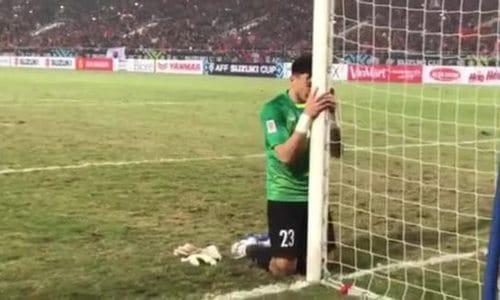 Không chỉ đẳng cấp trên sân cỏ, thủ môn Văn Lâm còn chuốc mê chị em nhờ body cực phẩm và style soái ca-1