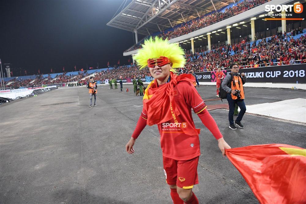 Quang Hải có màn hóa trang ăn mừng chức vô địch AFF Cup 2018 siêu đáng yêu-2