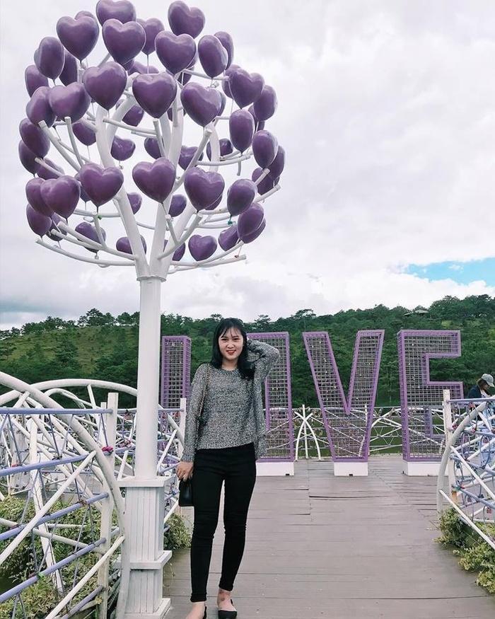 Lại có thêm một cây cầu tình yêu màu tím làm lịm tim biết bao du khách ở Đà Lạt-3