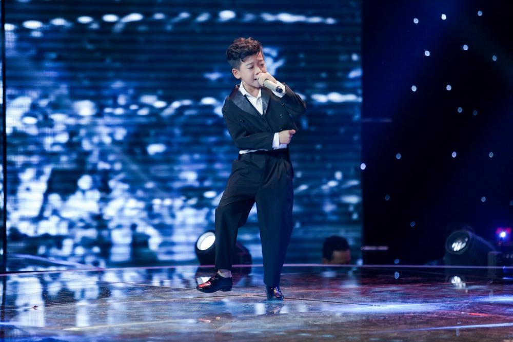 Sau khi gây sốt với Ngắm hoa lệ rơi, thí sinh bị cho là cài cắm vào The Voice Kids đắt show như ngôi sao-1
