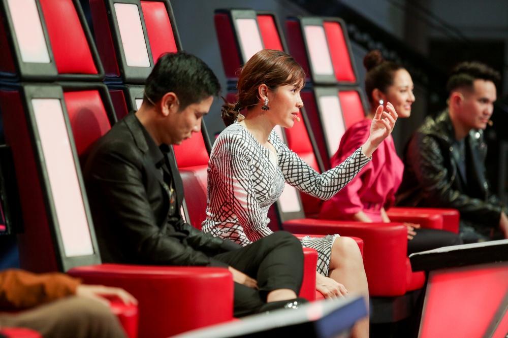 Sau khi gây sốt với Ngắm hoa lệ rơi, thí sinh bị cho là cài cắm vào The Voice Kids đắt show như ngôi sao-3