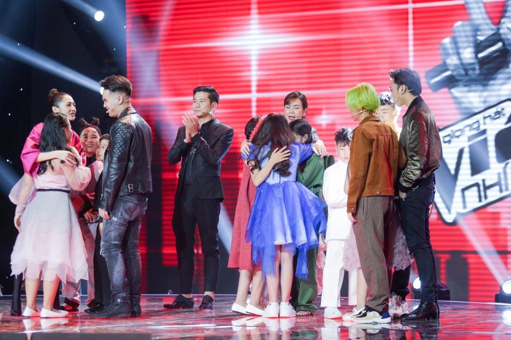 Sau khi gây sốt với Ngắm hoa lệ rơi, thí sinh bị cho là cài cắm vào The Voice Kids đắt show như ngôi sao-5