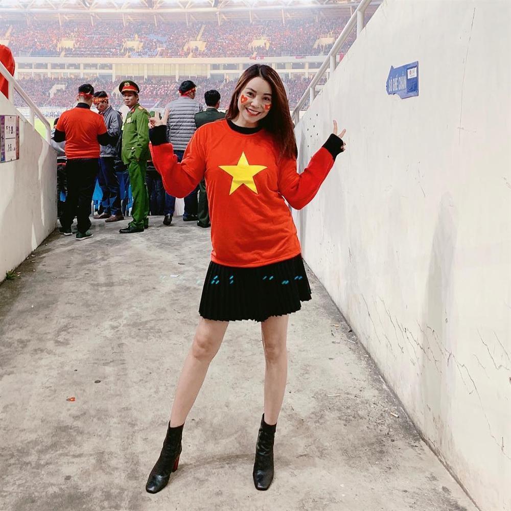 Đoán đúng Việt Nam vô địch nhưng Trấn Thành lại đi bão vào thời điểm đường không một bóng người-9