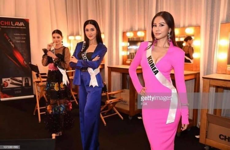 Thân thiết như Hoa hậu Hàn Quốc và HHen Niê ở Miss Universe: cùng phòng, dép tổ ong đôi và mặc chung váy?-1