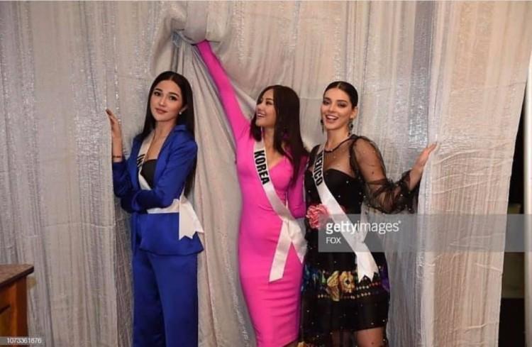 Thân thiết như Hoa hậu Hàn Quốc và HHen Niê ở Miss Universe: cùng phòng, dép tổ ong đôi và mặc chung váy?-2