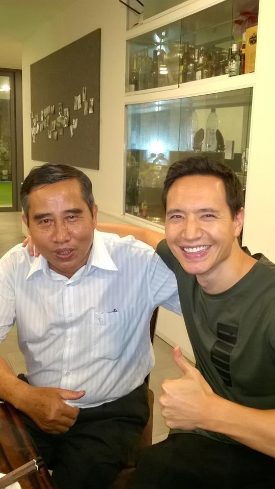 Kim Lý cùng gia đình Hồ Ngọc Hà ăn mừng đội tuyển Việt Nam vô địch trong biệt thự triệu đô-14