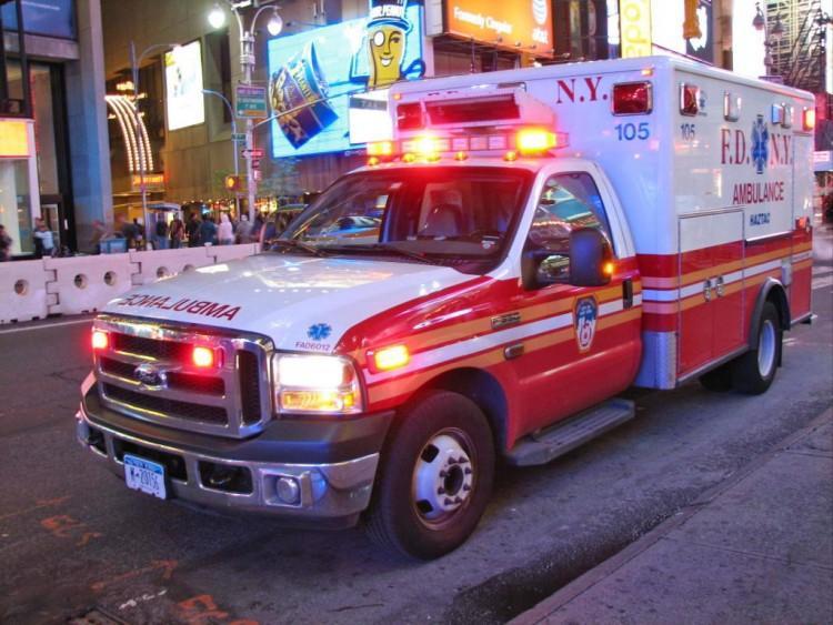 Chuyện thật như đùa: Tài xế xe cứu thương lên cơn đau tim, nạn nhân đi cấp cứu trở thành lái xe bất đắc dĩ-1