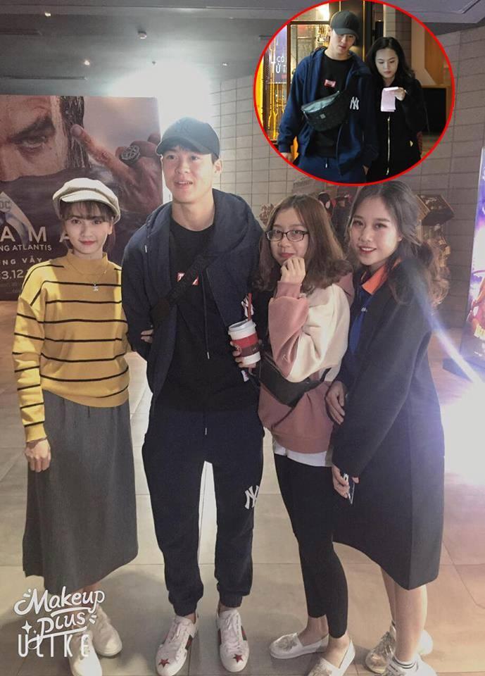 Mặc kệ thần tượng đang tay trong tay đi xem phim với bạn gái, fans vẫn ùa đến xin chụp ảnh cùng Mạnh gắt-3