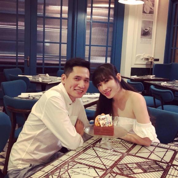 Thân thế bất ngờ của cô vợ xinh đẹp được MC Quốc Khánh cưng như trứng mỏng-6