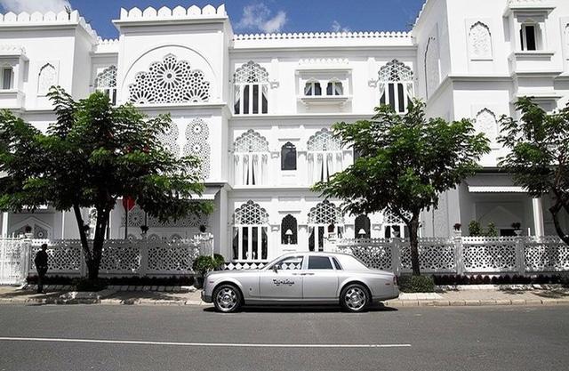 Chân dung nữ đại gia 9x Đào Ngọc Bảo Phương mua lại 2 toà lâu đài của KhaiSilk-1